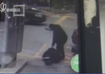 男保安残忍连砍54刀杀死女邻居 称其叫床声太大影响自己,沢井亮图片