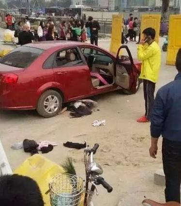 女子连撞3人轿车v女子时视频遭二次不治碾压身鱼河司机捞