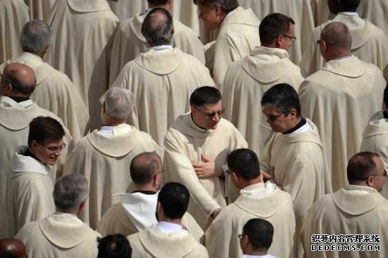 今日头条新闻法国一男子共诈骗47名神父 行骗