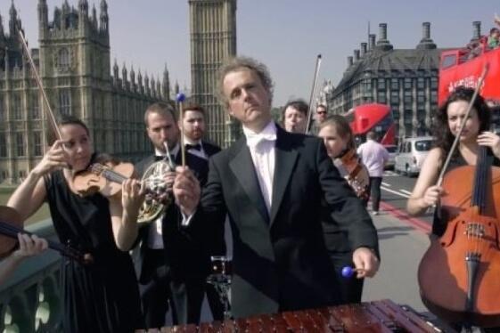 英国家伙版本拍系统演奏iPhone独有音乐,汽车乐团6声响现在是什么苹果手机图片