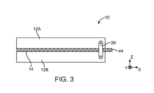 苹果在专利中描述,屏幕折叠中需要使用到金属结构