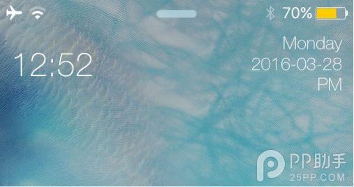 MIUI样式只是其中的一个外观选项,实际上这款插件的作用是定制锁屏时间样式。  许多人每天睁开眼睛的第一件事就是打开手机看时间,如果你需要一点新鲜感的话,不妨尝试一些可以改变锁屏时间外观的插件,比如下面将要介绍的这款新插件miniTime。  和它的名字一样,miniTime是用于定制锁屏界面时间外观的插件,感兴趣的用户可以在BigBoss源中获取。miniTime主要提供两种选择,一是SimpleStyle,将原本居中的时间和日期缩小并一左一右分开排列,并在日期那一边显示详细的年月日。  另一种选择是